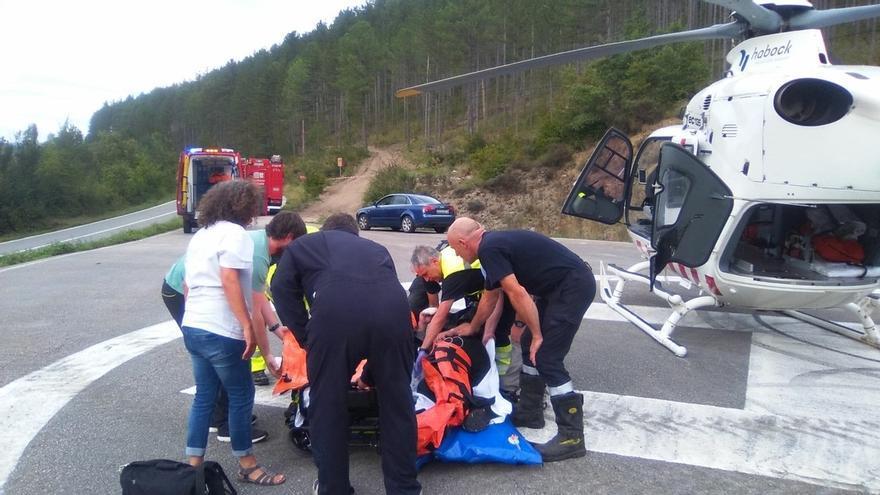 Herido grave un motorista al colisionar contra un turismo en Navascués