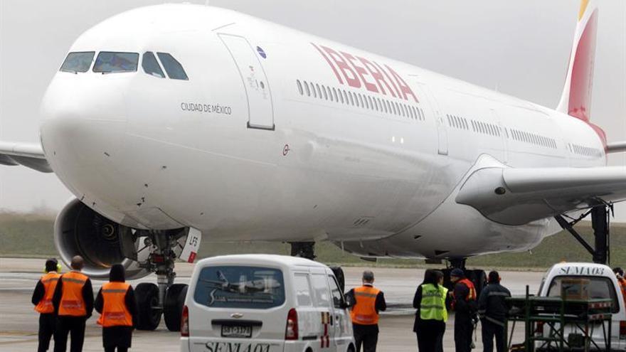 Iberia subasta esta semana vuelos en pesetas y a precios de los años 50
