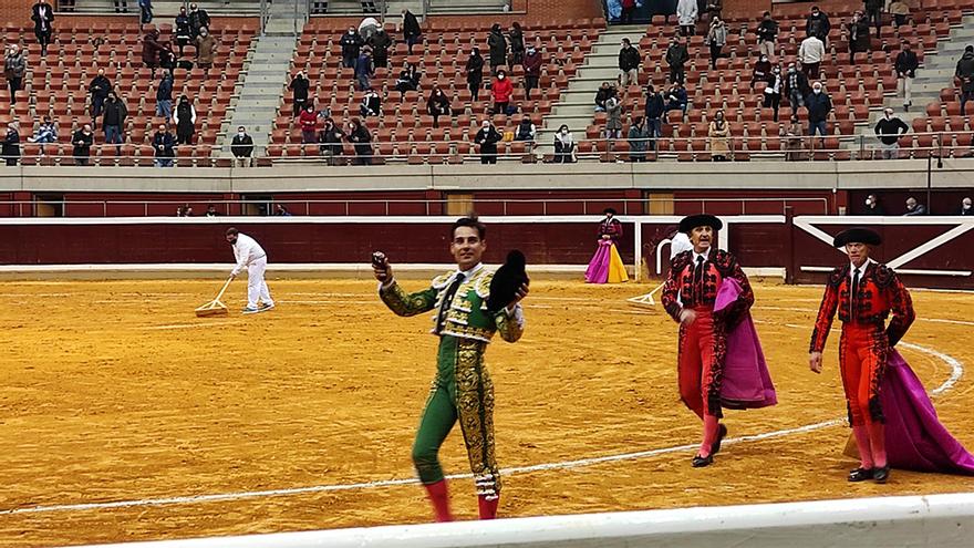 El torero Gómez del Pilar, en la plaza de toros de La Ribera en Logroño