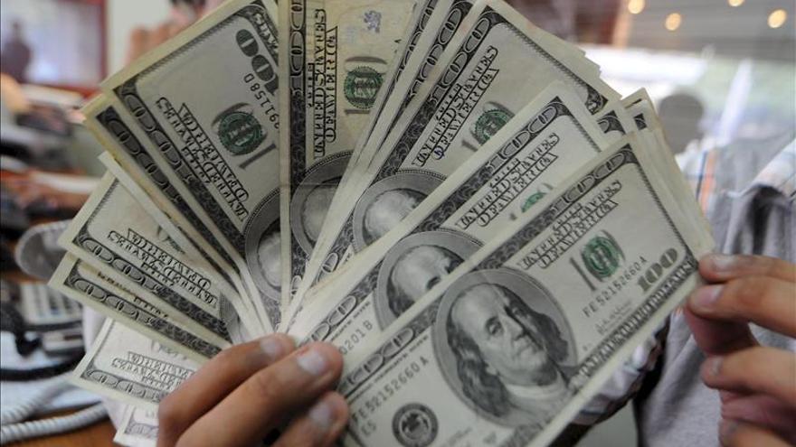 La fortaleza del dólar amenaza a los exportadores de EE.UU. y preocupa a la Fed