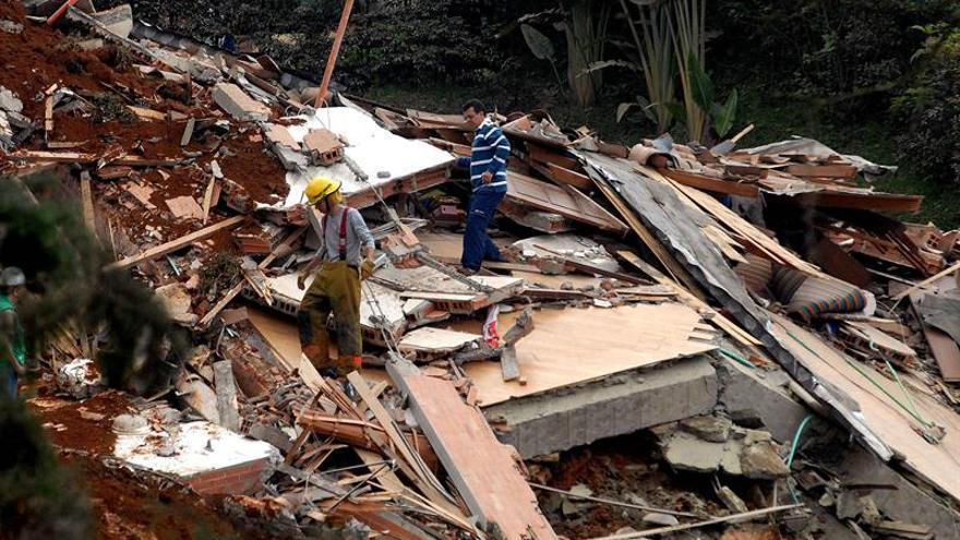 Al menos tres muertos por el derrumbe de un edificio en Cartagena de Indias