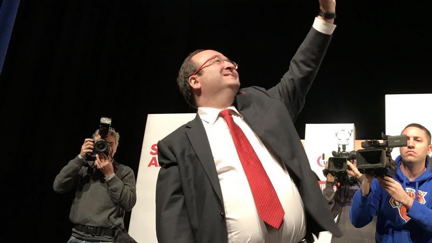 Iceta llamará de inmediato a Rajoy, Juncker y agentes socioeconómicos si es investido