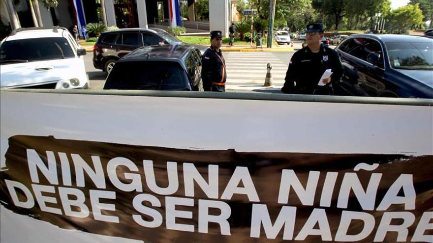 Solicitan despenalizar el aborto en niñas menores de 15 años en Paraguay