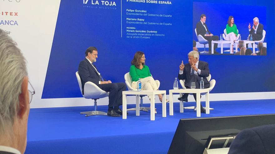 Rajoy y González en el Foro La Toja.