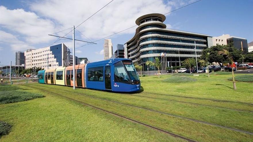 Tranvía de Tenerife activa este lunes el horario de verano