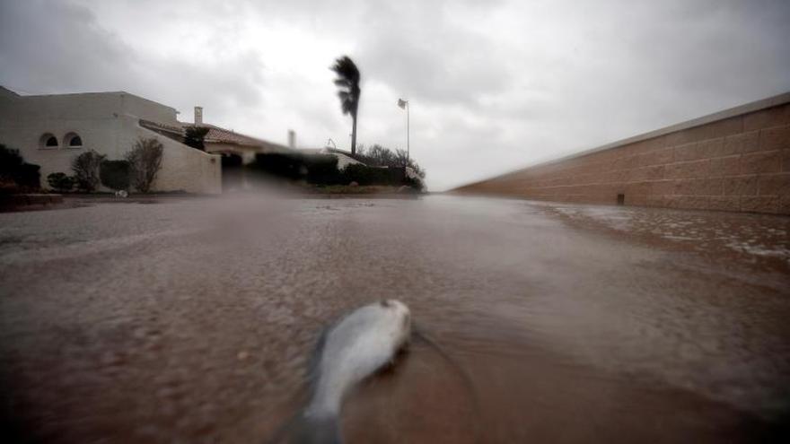 El temporal deja tres muertos, más de 200.000 niños sin clase y vías cortadas