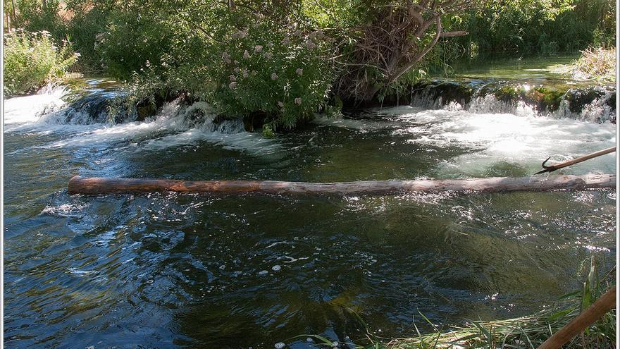 Río Escabas en su paso por la localidad de Priego, foto por José María Moreno García