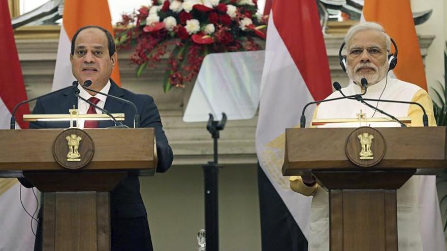 Al Sisi conversa de cooperación con Modi y con Kerry de seguridad en la India