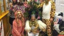 Así es el disfraz de las protagonistas de la carroza LGTBI de la cabalgata de Reyes Magos de Vallecas