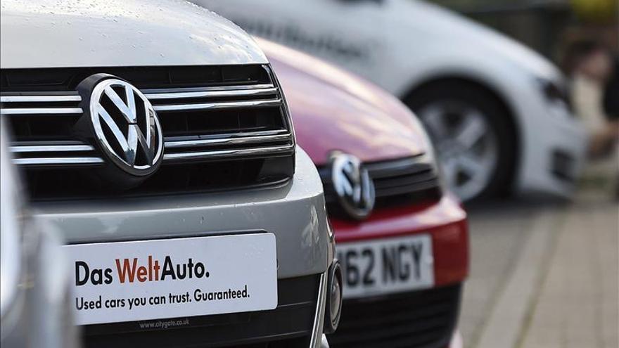 Ventas de Volkswagen en EE.UU. caen 25 por ciento en noviembre por el trucaje de motores