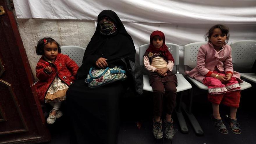 Millones de personas sufrirán hambruna en Yemen en 2017 si no se acelera la llegada de ayuda