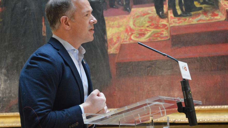 """Ander Gil (PSOE), sobre la continuidad de Cosidó como portavoz del PP en el Senado: """"No han entendido nada"""""""