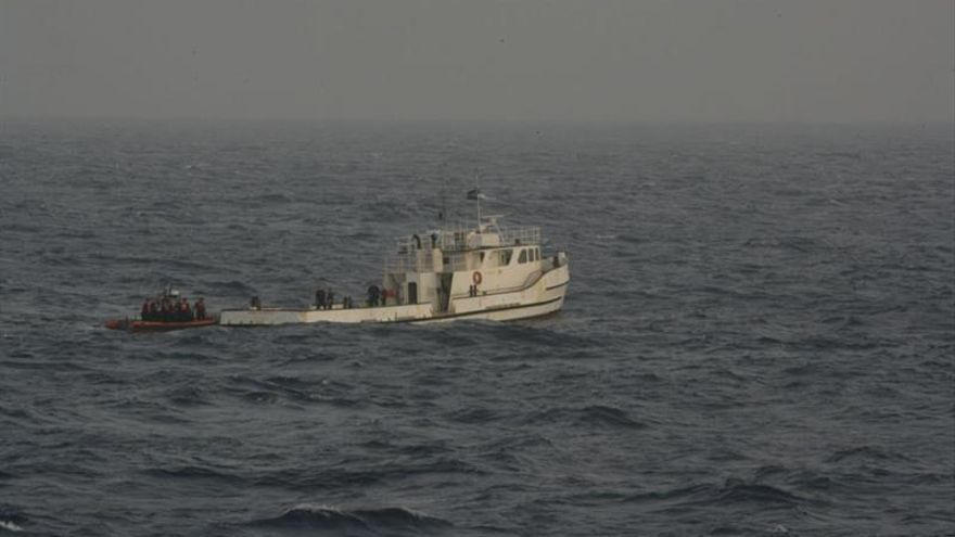La Guardia Costera de EE.UU. rescata en el mar a dos pescadores cubanos