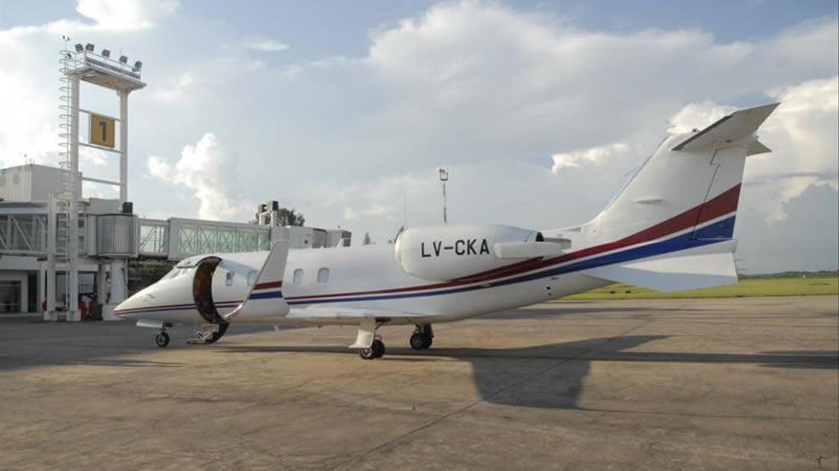 La aeronave Learjet 60, matrícula LV-CKA, que utilizó Juan Manzur para viajar a EEUU.