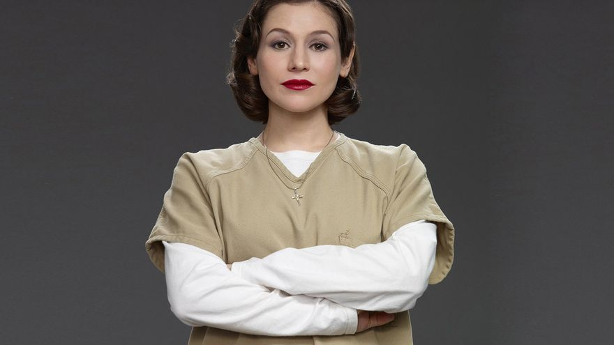 Yael Stone como Lorna Morello en 'Orange is the New Black'