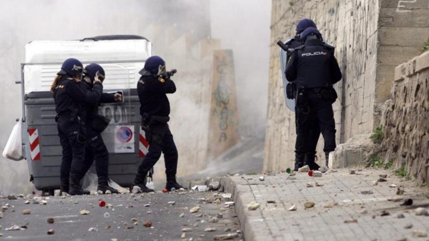 Redada policial en Melilla tras los disturbios en protestas por el desempleo