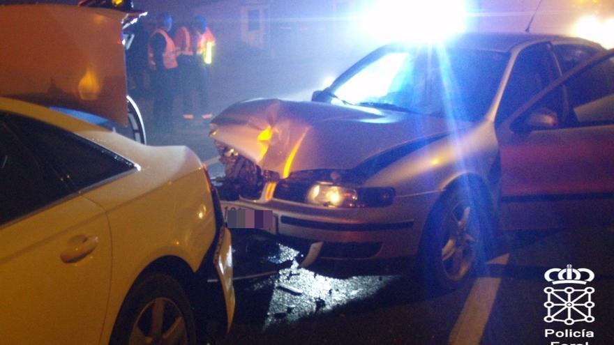 Un conductor, que cuadriplicaba la tasa de alcoholemia, denunciado tras provocar un accidente con dos heridos