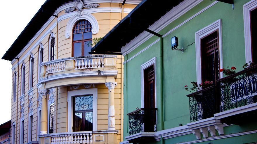 Casas coloniales del centro histórico de la ciudad de Quito. VIAJAR AHORA