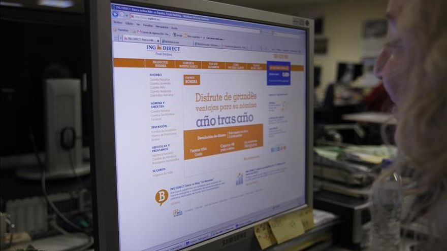 Un 20 % de los ahorradores españoles contrata productos de banca por internet