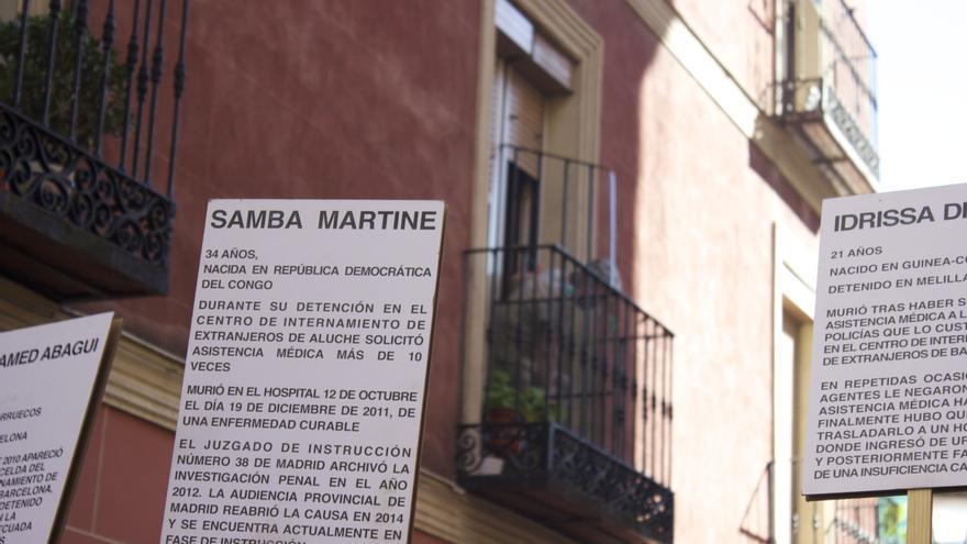 Homenaje a Samba Martínez, una mujer que murió en el CIE de Aluche. / Alberto Ortiz