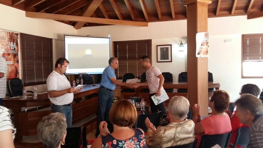 Entrega de diplimas en la I Jornada de Artesanía de La Gomera