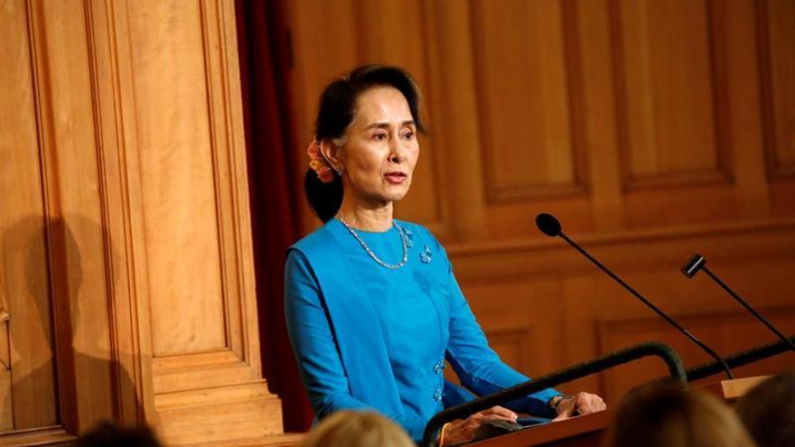 La libertad de prensa sigue coartada en la Birmania democrática de Suu Kyi