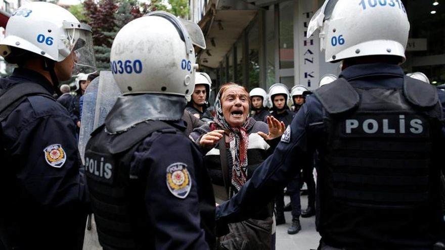 Turquía ordena detener a 125 miembros de las Fuerzas Armadas por golpismo