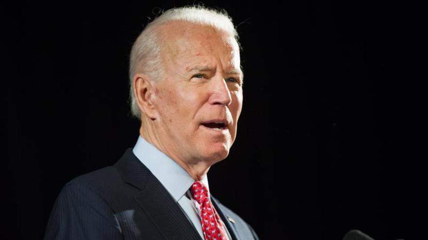 """Biden sugiere celebrar una convención demócrata """"virtual"""" en EE.UU."""