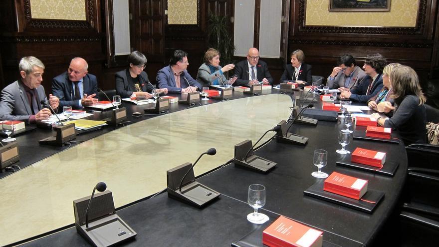 El Parlament de Cataluña tumba los recursos de PSC, C's y PP y tramita las cuentas del referéndum