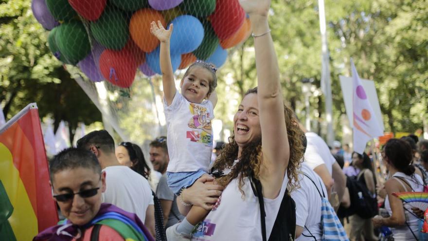 Personas de todas las edades han participado en la marcha del Orgullo en Madrid.