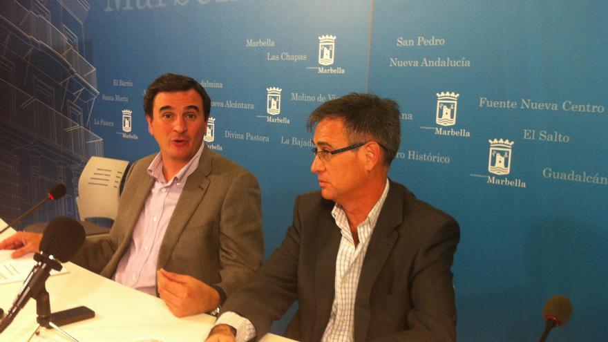 Félix Romero juntó al jefe de la asesoría jurídica municipal, Enrique Sánchez.