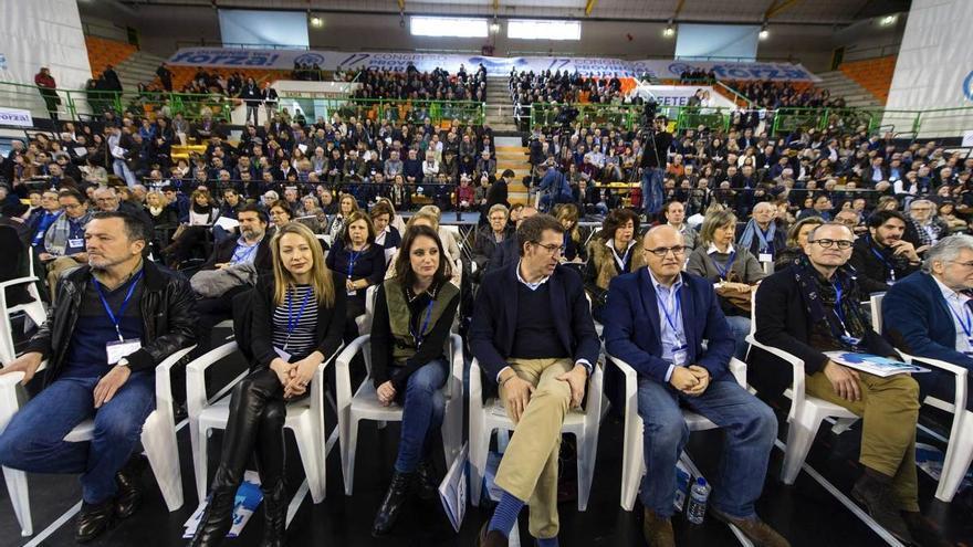 Feijóo y Levy, con Baltar en el congreso del PP de Ourense