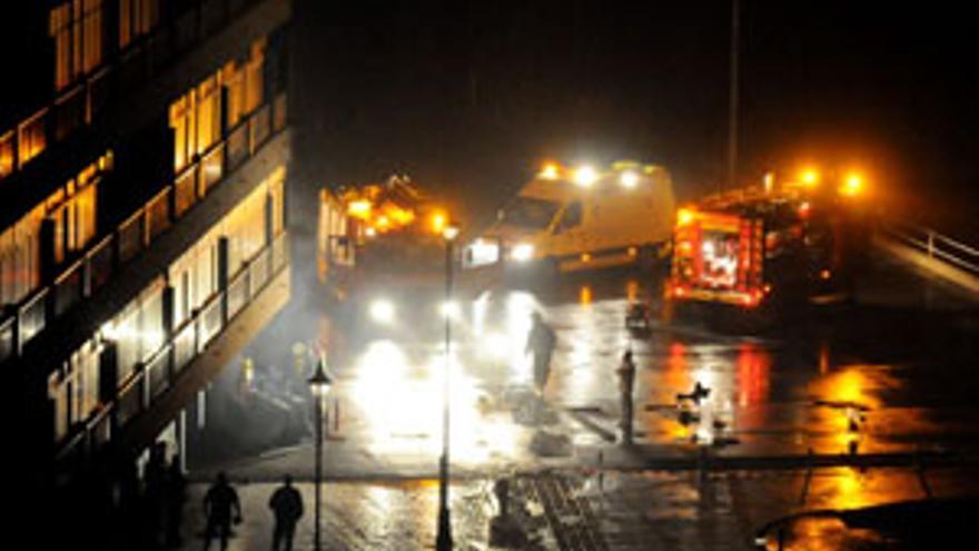 Un incendio obliga al desalojo de 60 personas