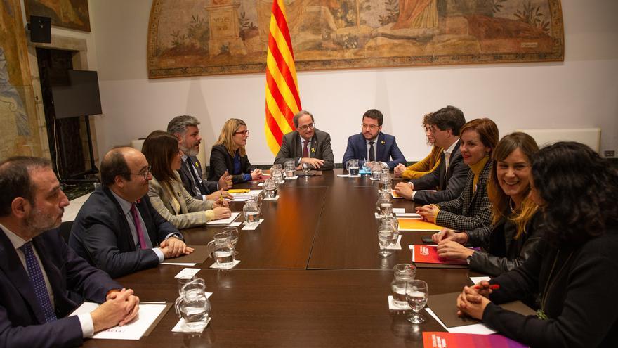 La mesa de diálogo en Cataluña pacta reunirse una vez al mes y trasladar sus conclusiones a dos mesas estatales
