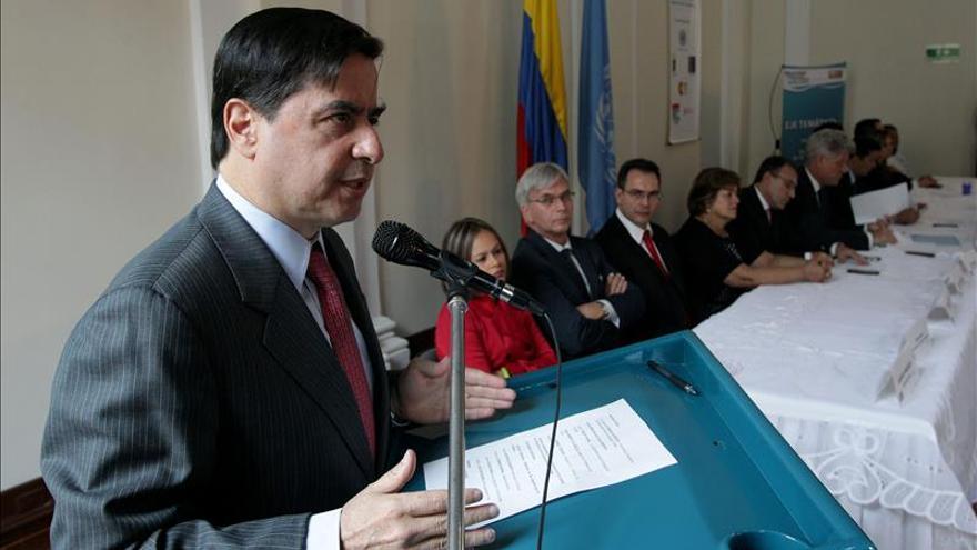 Gobierno colombiano rechaza amenazas contra defensores de derechos humanos