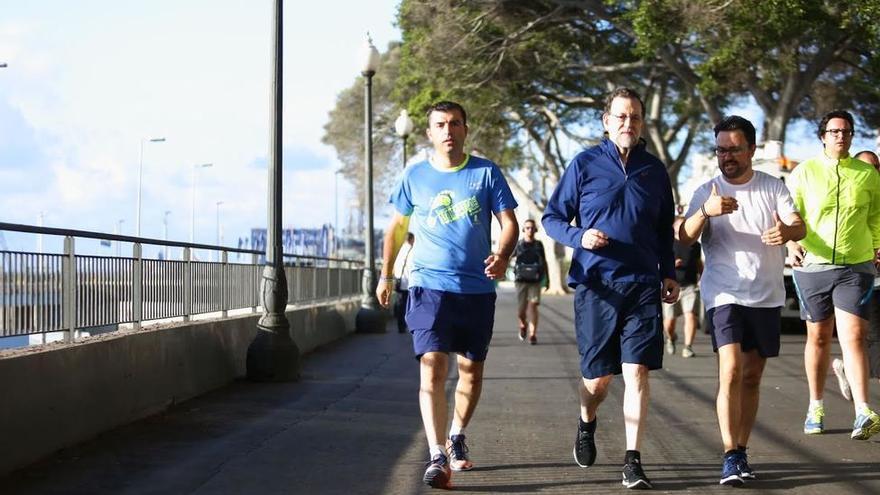 Mañana de deporte de Rajoy en Santa Cruz, con Manuel Domínguez (izquierda) y Asier Antona, en una imagen de archivo