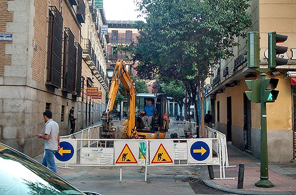 Obras en la calle Pez con San Bernardo   SOMOS MALASAÑA