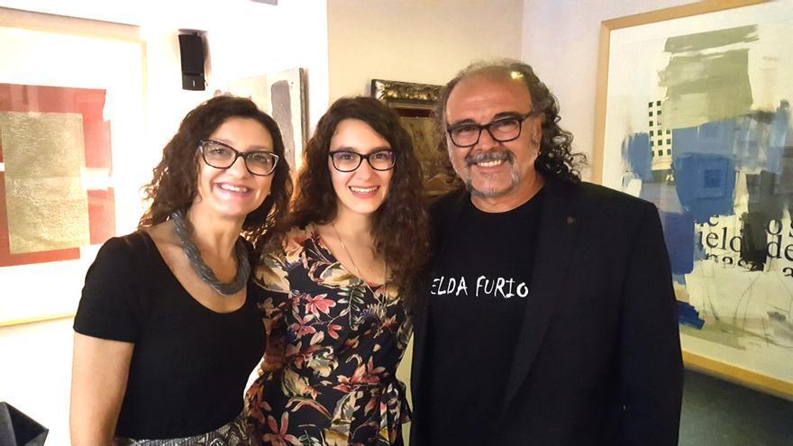 De izqda a dcha Esperanza Clares, Alba Saura y Antonio Saura