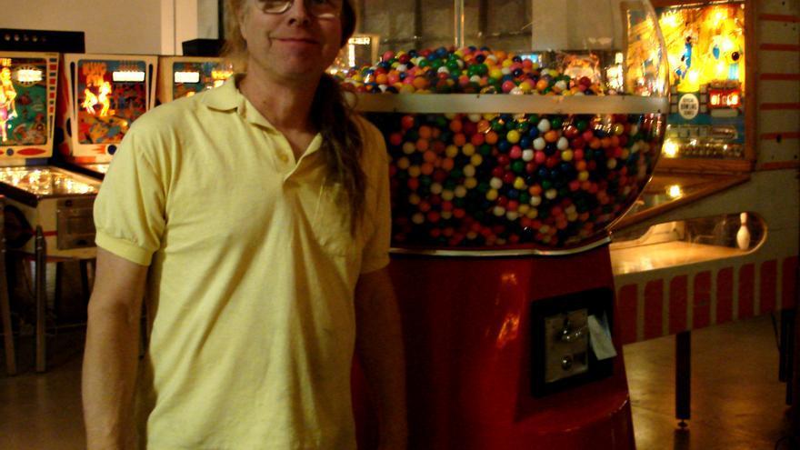 Tim Arnold compró su primera máquina hace más de 40 años