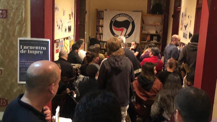 Presentación del colectivo Acción Antifascista - Gran Canaria en el Café d'Espacio de Las Palmas de Gran Canaria.