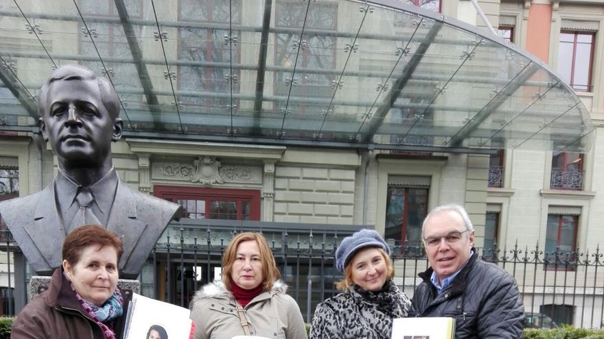 Las familias de acogida de Darya, Nahjiba y Koria, tras presentar la denuncia