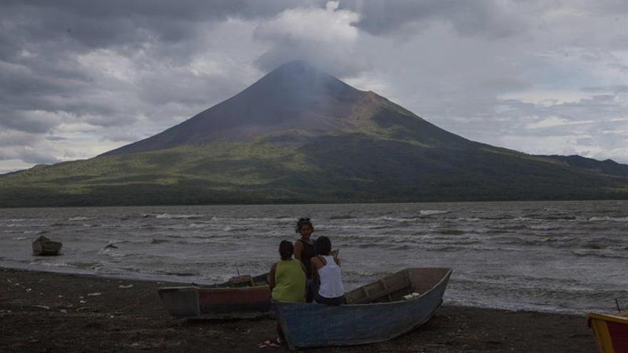 Geólogos de Nicaragua temen una erupción altamente explosiva del volcán Momotombo