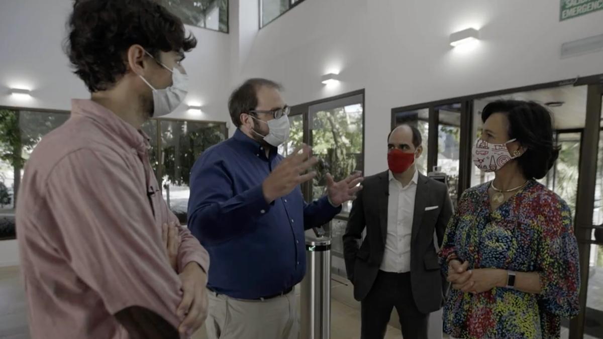 Una reunión entre Banco Santander y Wallbox.