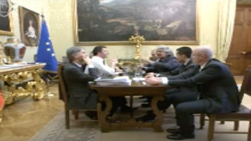 Reunión entre Matteo Renzi y Beppe Grillo