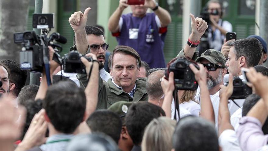 Jair Bolsonaro, tras emitir su voto este domingo en Brasil
