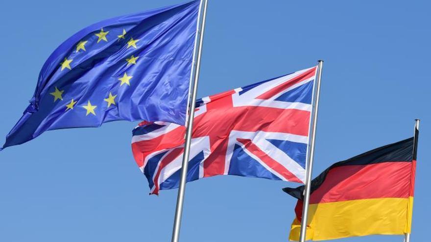 """Merkel recibe a May en Berlín antes de la cumbre de la UE sobre el """"brexit"""""""