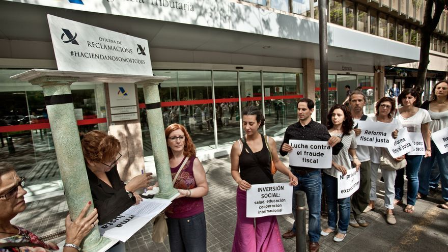 Acto #justiciaFiscalAhora , en Barcelona/OxfamIntermon