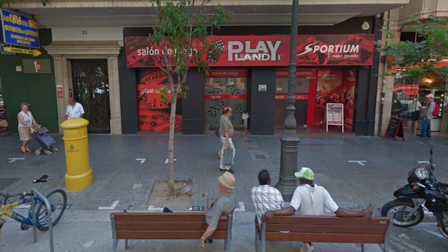 Salón de juego situado en el centro de Valencia