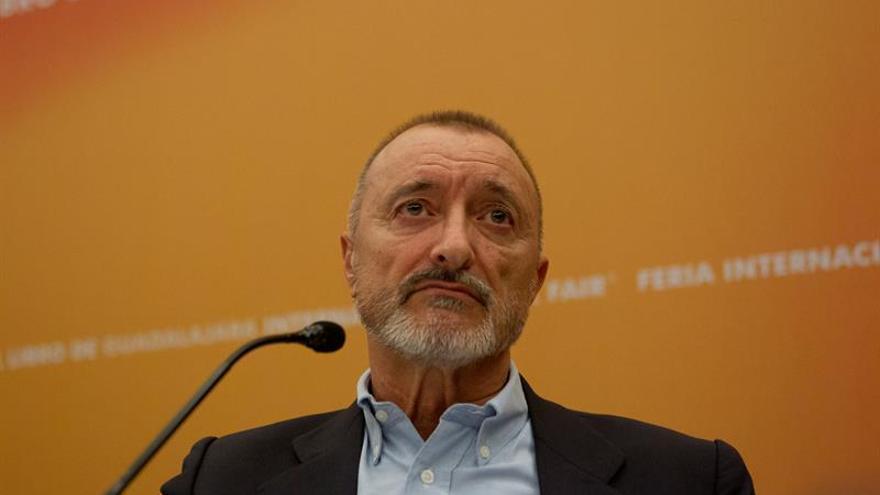 """Pérez Reverte comparte la """"mirada amarga"""" del protagonista de sus últimas novelas"""