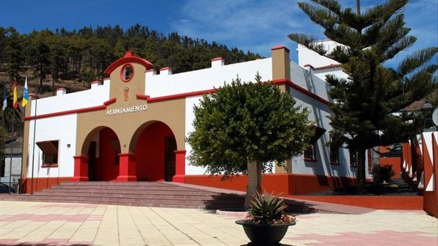 Resultado de imagen de ayuntamiento de fuencaliente la palma